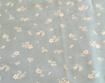 White Floral Print on Blue Background Lightweight Cotton Polyester Blend 1 3/4 Yards X0720