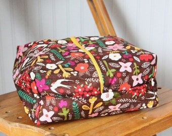 Handmade Box Pouch / Makeup Case / Toiletry Bag / Zippered Bag / Travel Bag - Wildflowers - Gifts for Her / Gifts under 30