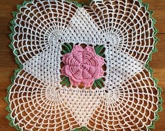 VINTAGE Lovely Pink Center Rose Doily 1960's