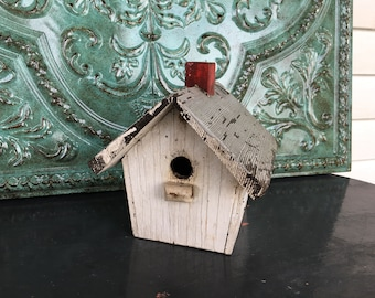 Birdhouse Vintage Rustic Chippy Wood White With Red Chimney