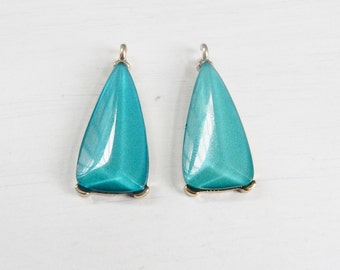 Teal blue,  triangle  lucite vintage finding with gold frame , triangle  charm, geometric finding  (34x15mm)