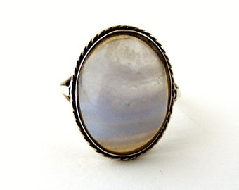 Vintage sterling silver ring with blue lace agate