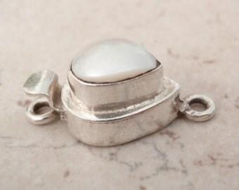 Sterling Silver Box Clasp Pear Shape White Pearl No Trim Single Strand Qty. 1 C041