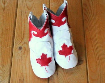Leather Western Baby Boots -  Baby's Canada Day Gift - Baby Cowboy Boots - Baby Shower Gift for Baby - Red and White Maple Leaf
