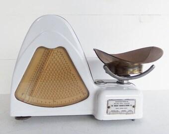 Vintage Enamel Candy Scale, Hobart Dayton Model 100, 2 Lb. Scale