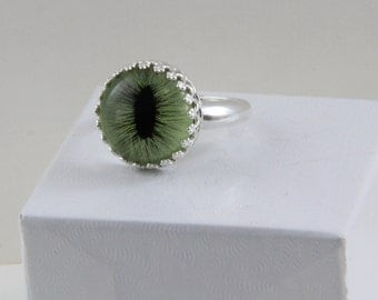 Handmade Green Cat Eye Set By Hand in Sterling Ring size 8 Taxidermy Eye 14mm Glass Eye Eyeball Ring Oscarcrow