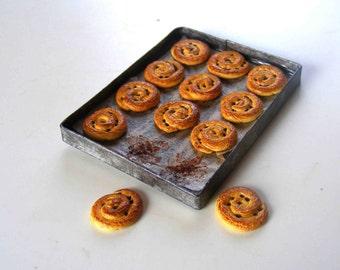 Chocolate chip swirl pastries