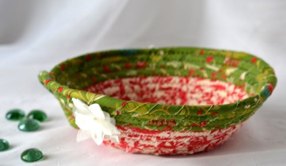 Christmas Gift Basket, Handmade Red Holiday Bowl, Candy Dish, Christmas Red Ring Tray, Holiday Decoration, Stocking Stuffer