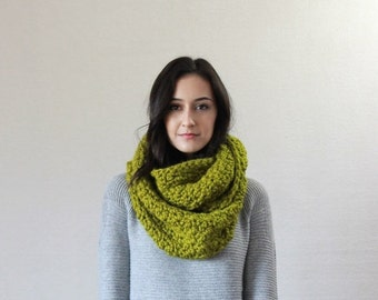 End of season SALE Chunky Infinity Scarf Knit Textured Cowl  // The Bourdon - LEMONGRASS