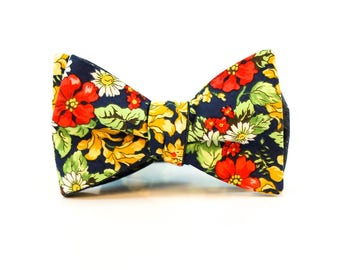 Mens Tie Yourself Bowties // Red Blue Flowers // Polka Dot Chambray // Reversible Bowtie // Summer Wedding // Groom // Durian and the Lyon
