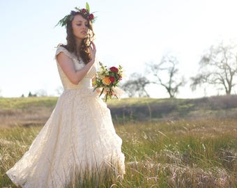 BELLFLOWER 1940's Vintage Wedding Dress Rare Hoop Skirt Petty Coat Set Bridal Attire Tea Length Chantilly Lace Circle Skirt