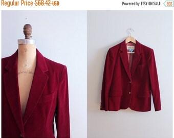 20% SALE vintage 1970s ladies corduroy blazer - faux suede elbow patches / 70s professor blazer / cabernet red - purple wine corduroy jacket