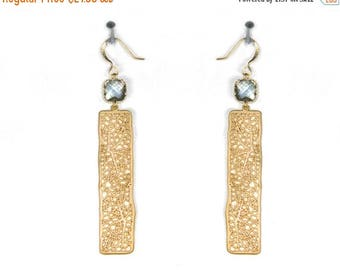 20% off. GATSBY . Bar earrings Filigree jewelry. Abstract organic design 1930s,  leaf vein earrings with square crystal.
