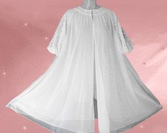 Vintage Bridal Robe, Honeymoon Lingerie, Vintage Wedding Robe, White Peignoir Robe, Boudoir Lingerie, 50s Vanity Fair, Short Bridal Robe