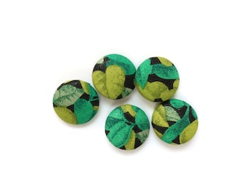 5 Tropical Green Fabric Covered Buttons, Black, Leaves, 22mm