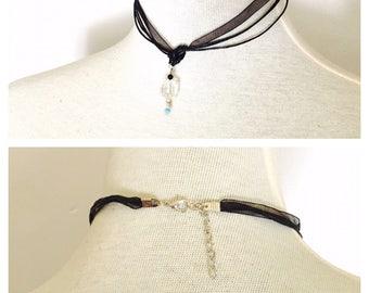 Goth Black Lace choker, square pendant, dainty, romantic, juvenile, item no. De424