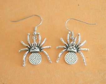 The SPIDER Earrings...dangly. novelty. weird. creepy. retro. science. bug collection. kitsch jewelry. crawlers. bugs. silver. horror. fear