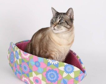 SALE Spring Flower Easter Cat Bed Pastel Pet Bed the Cat Canoe