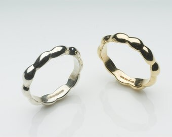 Organic Shape 18 ct gold wedding band - Seaweed Inspired Unisex Gold Wedding Ring or Commitment Promise Ring - Free Shipping