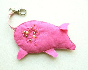 Kitchy pink pig keychain fob