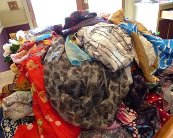BARGAIN!! 268+- Vintage Scarves-Approx. 75+ signed--1.40 Cents Each-Mostly  large squares + 3 28 ring scarf hangars + 30 scarf rings