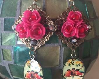 ROBIN Red Breast BIRD Earrings - Red ROSES - Fancy Filigree Dangles