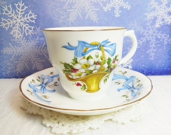 Arklow Bone China Ireland Tea Cup and Saucer Set, December Christmas Rose, vintage teacup