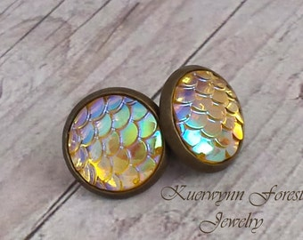 Dragon Scale earrings, Mermaid scale earrings, champagne yellow earrings, mermaid jewelry, mermaid tail, hide skin, opal iridescent, fish