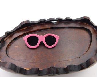 Vintage 1980's Pink Sunglasses Pin   DR18