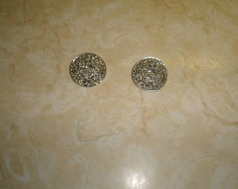 vintage clip on earrings silvertone filigree