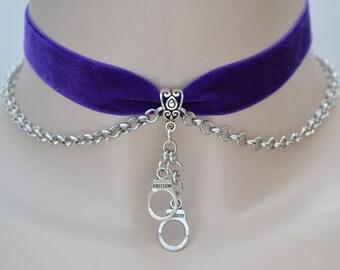 Dangle HANDCUFFS charm with chain PURPLE 16mm velvet ribbon choker dv... or choose another colour velvet, handmade to size :)