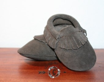 Wow! SUEDE Dark Grey  FRINGES Moccasins 100% genuine leather baby moccasins Mocs moccs