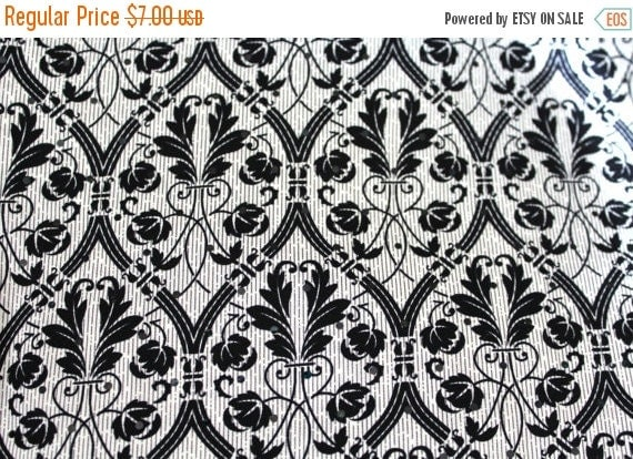 Black and white fabric,Quatrefoil fabric,Fleur De Lis,100% Cotton,Quilt fabric Apparel fabric,Craft fabric,Fabric by the YARD,Fabric SALE
