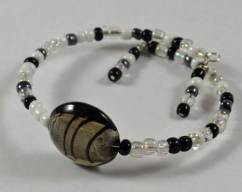 Bracelet:  Black & White w/ Focus Bead