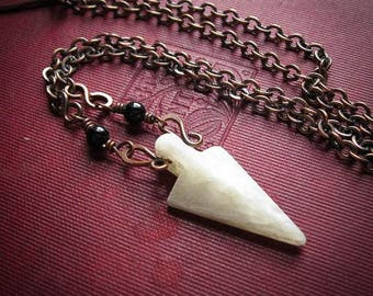 Dvalin Arrowhead Necklace in Agate, Unakite, Moss Agate, New Pale Jade and Lemon Jade
