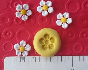 SMALL DAISY MOLD silicone flower food safe 4 fondant chocolate candy polymer clay miniature resin spring easter blossom bloom tulip