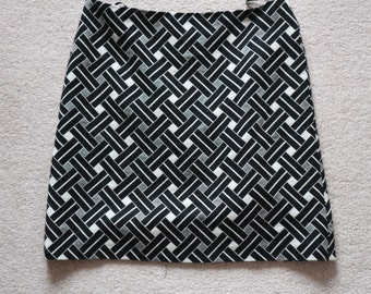 Smart monochrome short skirt black cream UK 8