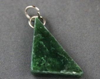 Jade pendant nickel jumps bail 50ct