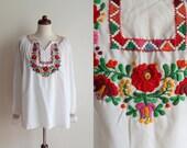 Vintage Hungarian Peasant Blouse - 1970's Matyó Kalocsa Embroidered Blouse - Size M-L