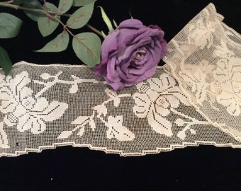 Vintage Handmade Wide Cotton Staggered Edge Filet Lace, Antique Filet Lace, Vintage Lace Edging Trim
