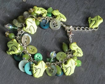 frog green silver plated button and bead charm bracelet
