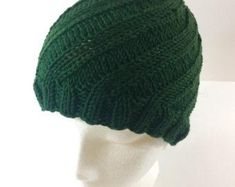 Soft merino hat with swirl