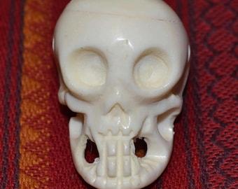 Tibetan Buddhist style skull pendant made of bone  OB113