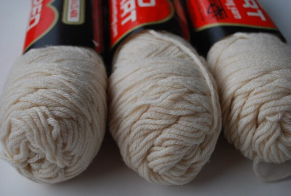 3 Skeins Red Heart Coats Amp Clark Eggshell 111 Vintage Yarn