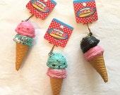 RARE Cafe De N Double Ice Cream Scoop Squishy