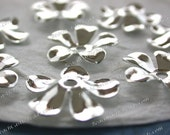 Bright Silver Flowers Vintage Style Supplies Scrapbooking Craft Supplies Jewelry Supplies Made in USA Wedding Supplies Brass Flowers STA-267