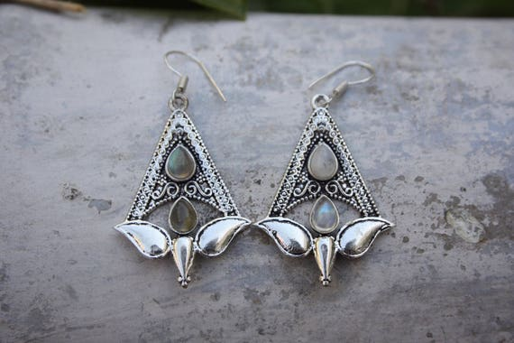 MOONSTONE TULIP EARRINGS- Oxodised Silver Earrings- Moonstone - Healing Crystal Jewellery- Chakra Earrings- Boho- Vintage - Festival