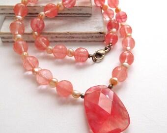 "Retro Cherry Quartz White Pearl Bead 19"" Long Pendant Necklace Necklace"