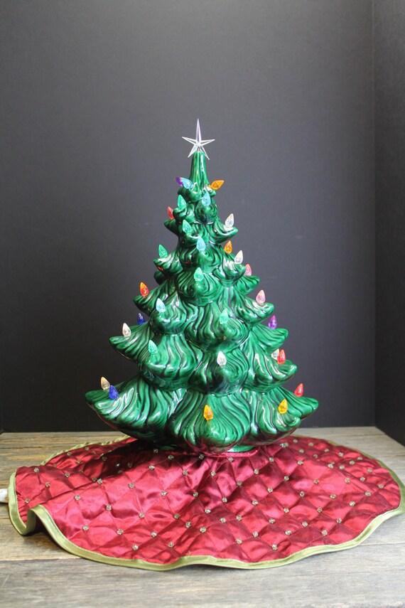 Rare Vintage Atlantic Mold Ceramic Christmas Tree With A Tree