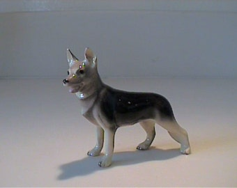 Vintage miniature Hagen Renaker German Shepherd dog